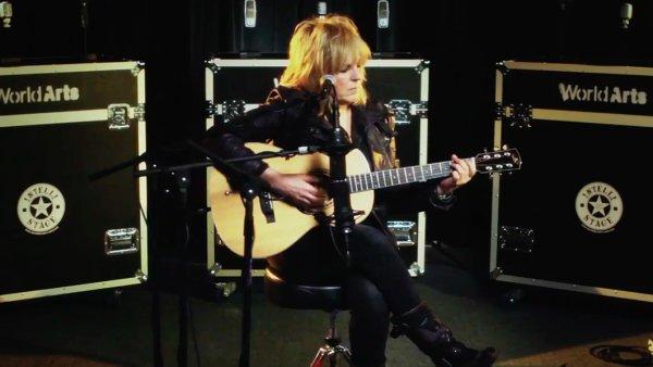 Osobitá americká countryová písničkářka Lucinda Williamsová v pátek vydává své dvanácté studiové album