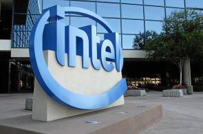 Intel prohrává s fyzikálními zákony. Vývoj nových procesorů bude pomalejší, třífázový