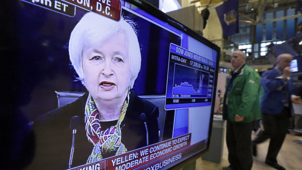 Americk� trhy reagovaly optimisticky na st�ede�n� ozn�men� centr�ln� banky, �e zvy�ov�n� �rokov�ch sazeb bude pomalej�� - Ilustra�n� foto.