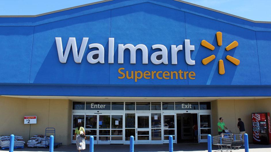 Koupí Jetu ředitel Walmartu Doug McMillon reaguje nastále větší konkurenci, kterou je největší internetový prodejce Amazon.
