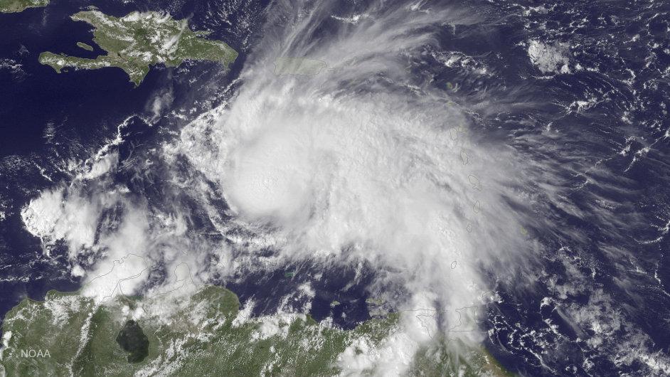 Satelitní snímek hurikánu Matthew.