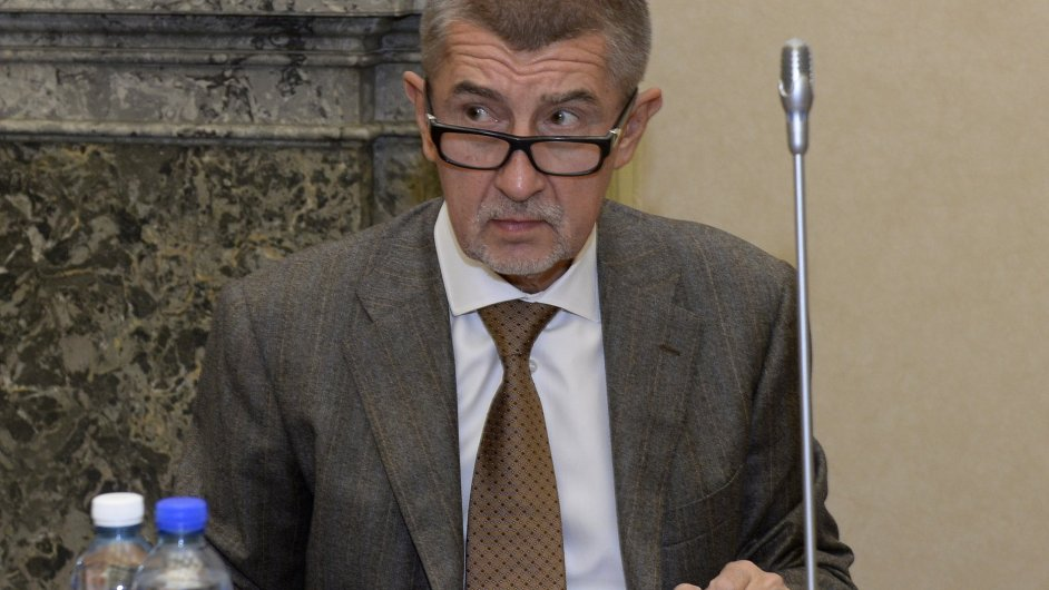 Ministr financí Andrej Babiš se zúčastnil 24. října v Praze jednání vlády.