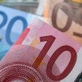 Euro smazalo rekordní ztráty po italském referendu, evropské akcie rostou nejvíce od konce øíjna. Vrásky na èele mají banky