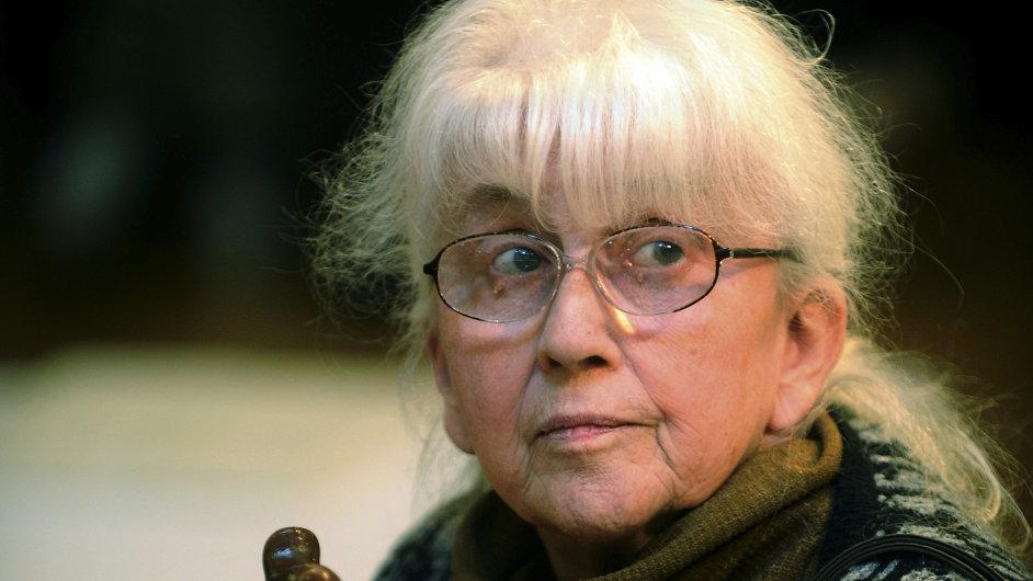 Daisy Mrázková na archivním snímku z vernisáže svých děl v Topičově salonu v Praze roku 2011.