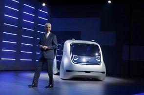 Volkswagen představil svůj první plně autonomní vůz. Nemá volant ani pedály a rozpozná hlas svého majitele