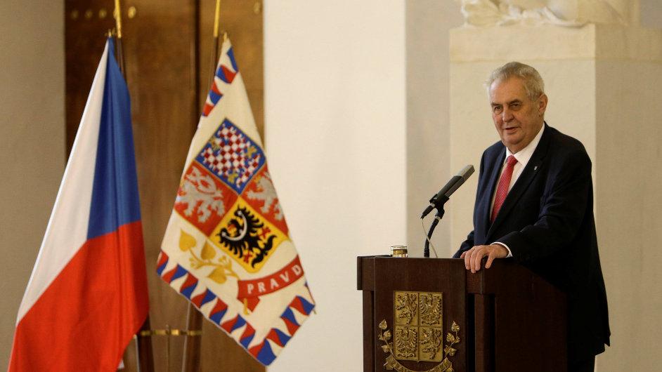 Zeman ve funkci premiéra favorizuje Zaorálka.