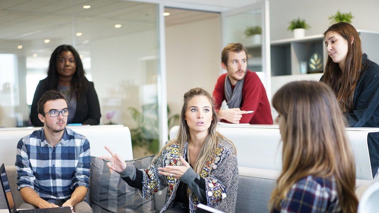 Firemní kultura ovlivňuje produktivitu i odchody zaměstnanců, ilustrační foto