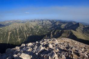 Výprava na bulharské vrcholy: Pohoří Rila a Pirin nabízí kamenité štíty, rozkvetlé louky a nádherné výhledy