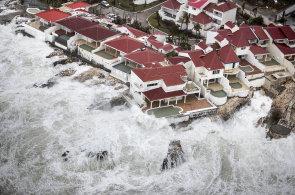 Florida se připravuje na příchod hurikánu Irma. Dominikánská republika a zbytek Karibiku sčítají škody