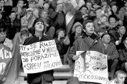 Češi v Evropě Ondřeje Housky: Hokejem proti blbé náladě. Když je nejhůř, proniká do sportu politika