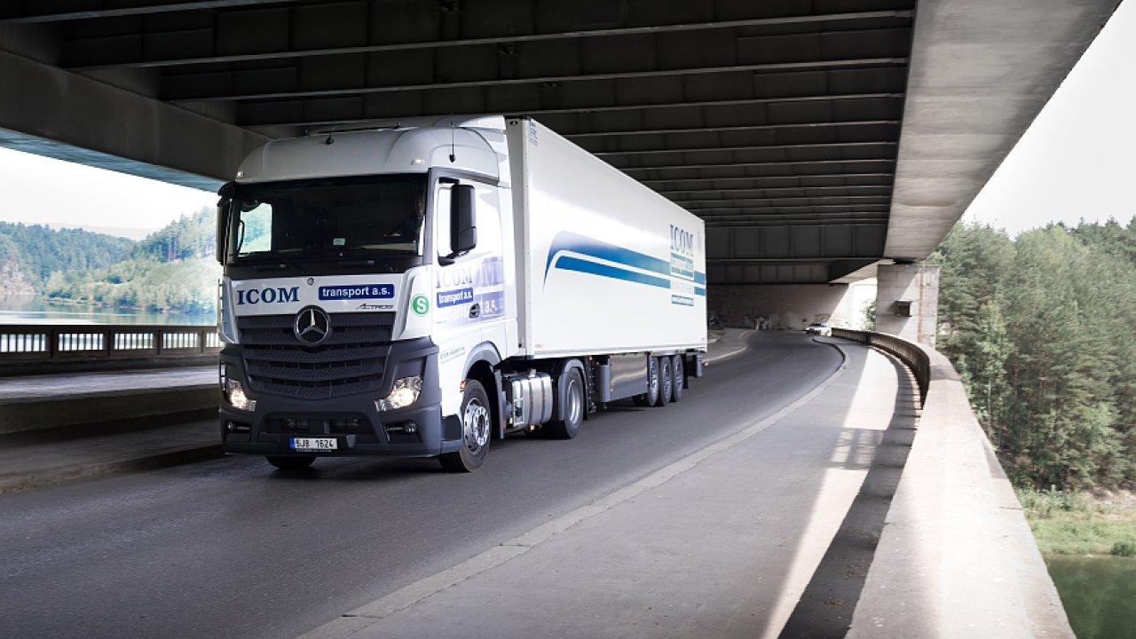 Icom Transport se zaměřuje hlavně na nákladní a autobusovou dopravu. Teď bude stavět nový sklad.