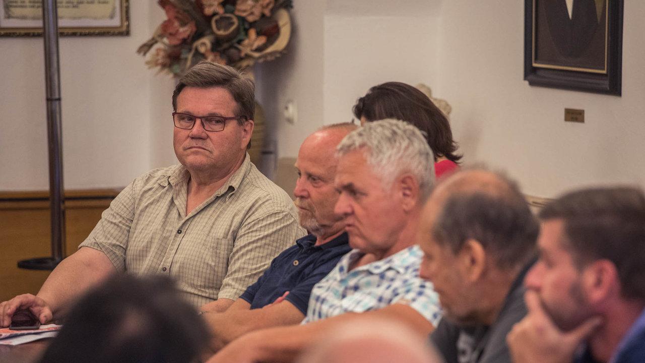Zdeněk Škromach při diskusi o hlasování v referendu v Kyjově, Jihomoravském kraji. Jak hlasovala jeho buňka vedení ČSSD nezveřejní.