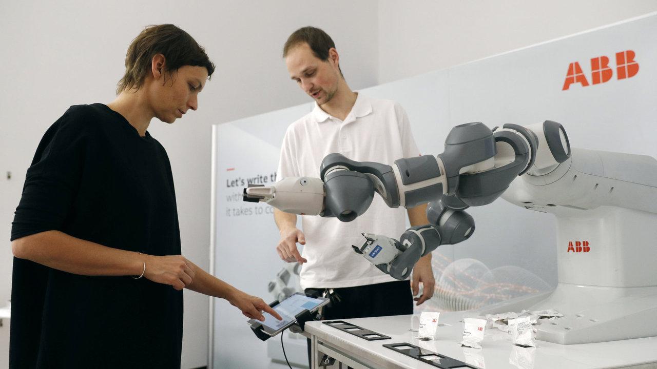 Konference o vývoji umělé inteligence budoucnosti robotů Já, robot