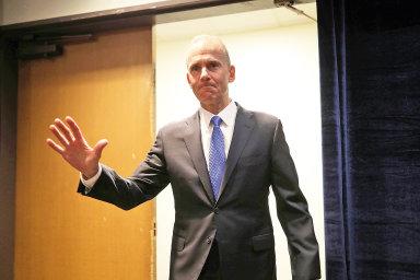 Šéfa Boeingu Dennise Muilenburga v lednu vystřídá dosavadní šéf dozorčí rady David Calhoun.
