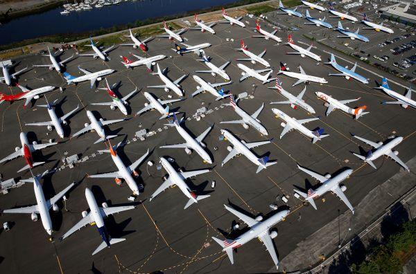 Letadla Boeing 737 Max uzemněná na Boeingově letiště v Seattlu