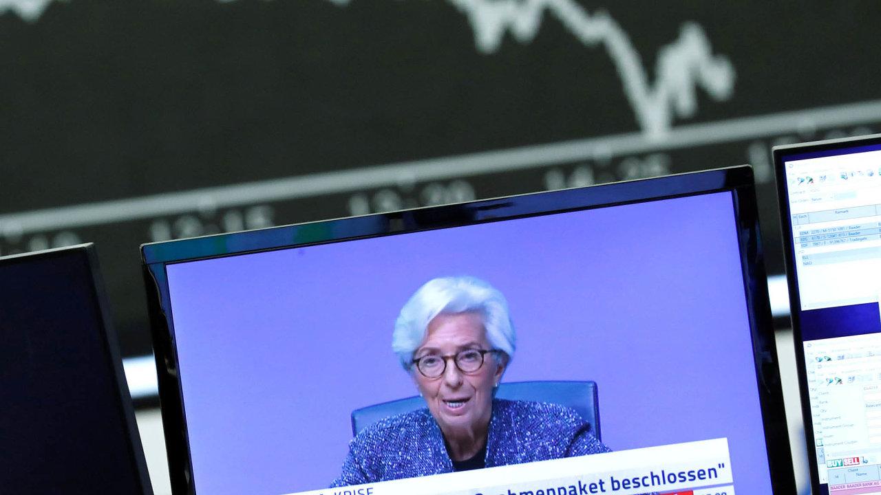 Šéfka ECB Christine Lagardeová nyní počítá sdrastickým hospodářským propadem eurozóny. A jejím slovům trhy pozorně naslouchají.