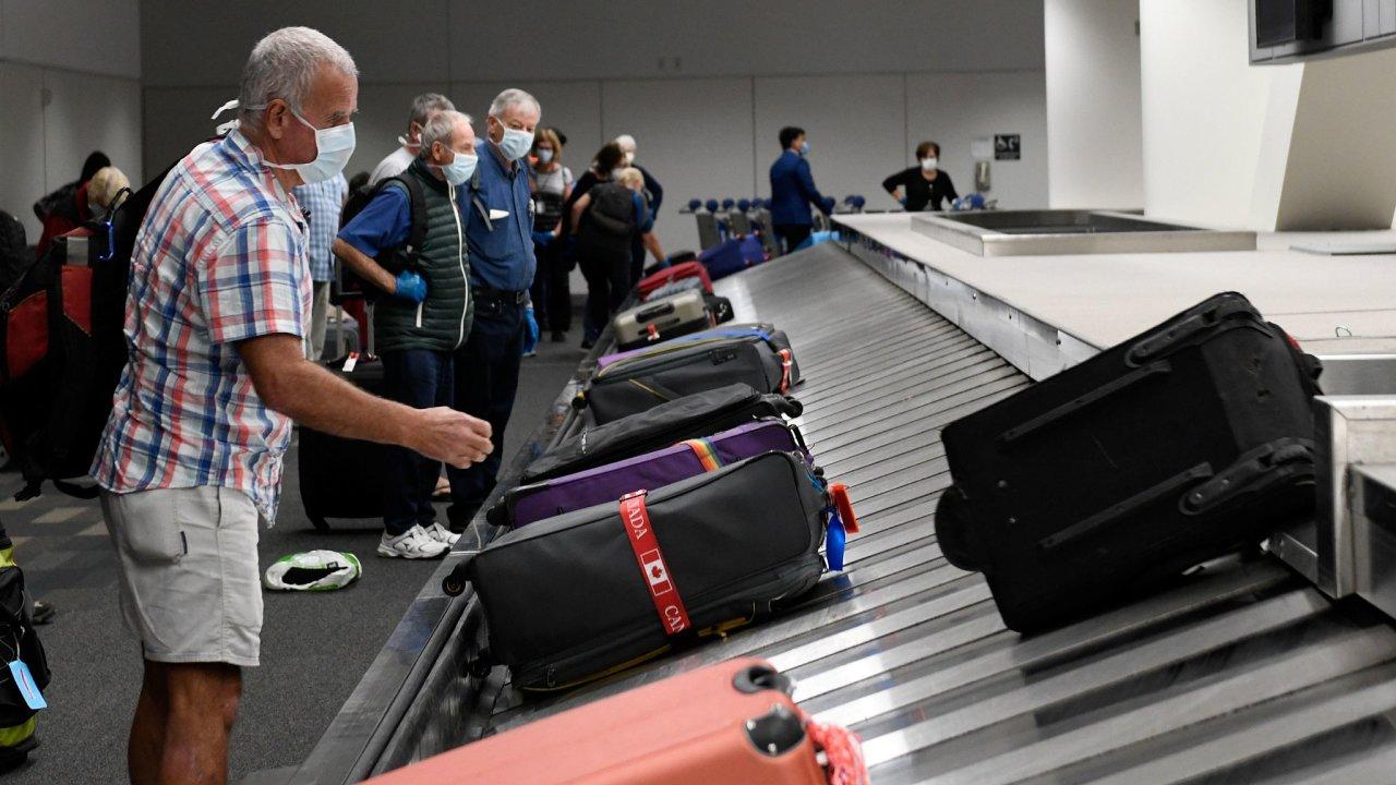 letiště roušky koronavirus Austrálie