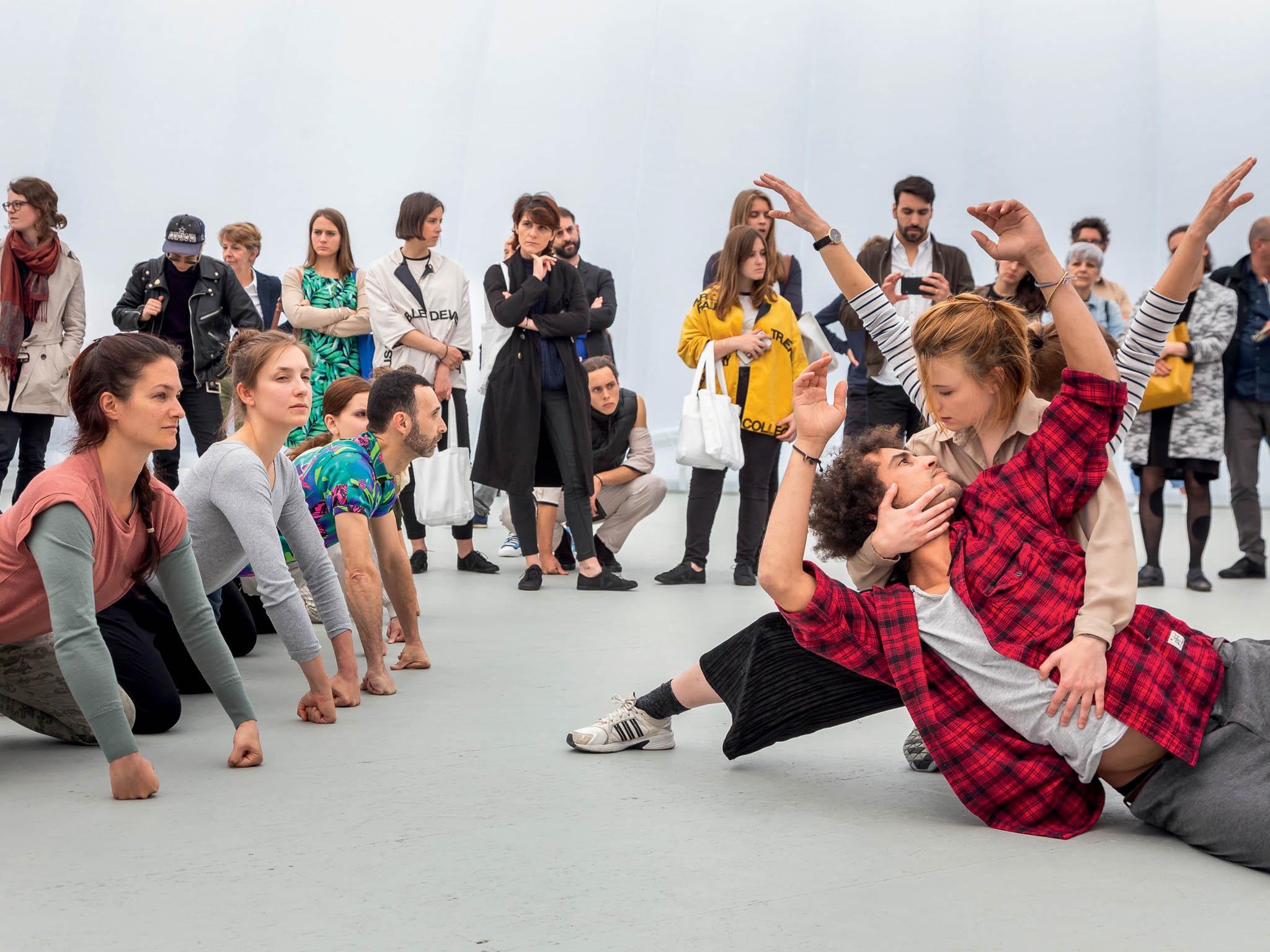 Nejvýznamnější veletrh Art Basel oznámil nový termín konání 17.–20. září.