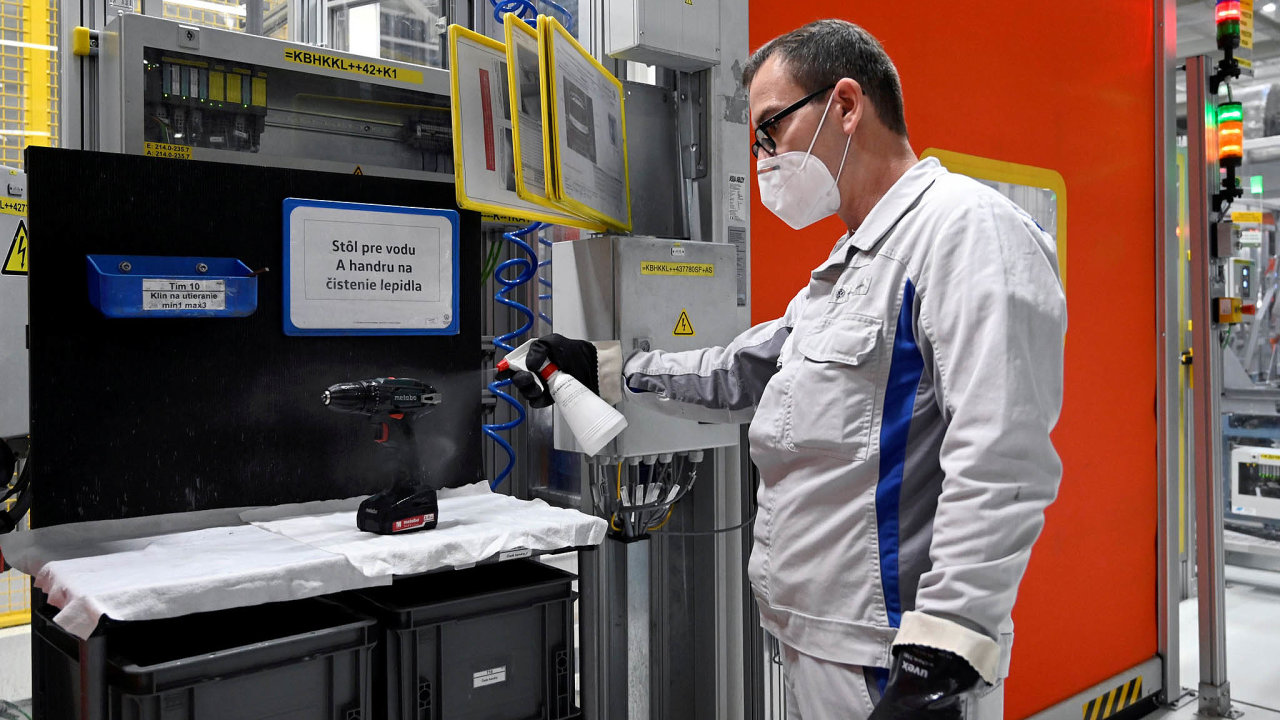 Trnava: Výrobní kapacita trnavské továrny (nasnímku) se blíží 400 tisícům vozů ročně.