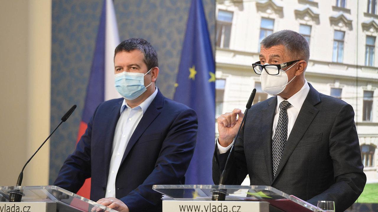 Dohodli jsme se. Premiér Andrej Babiš avicepremiér Jan Hamáček představují pravidla, zajakých bude zrušena superhrubá mzda.