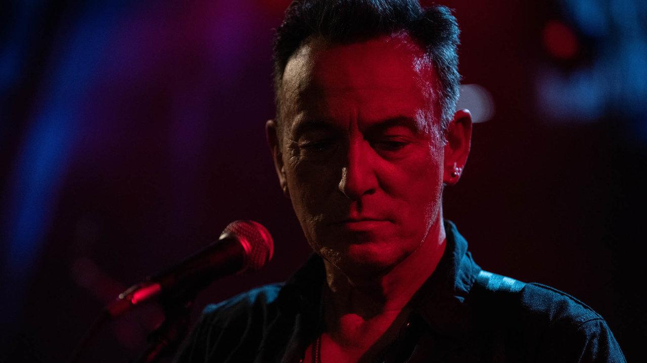 Bruce Springsteen se hlásí k dávným vzorům z mládí. Je to jeden z laskavě nostalgických prvků, které pomáhají vytvářet vzpomínkový charakter desky Letter To You.