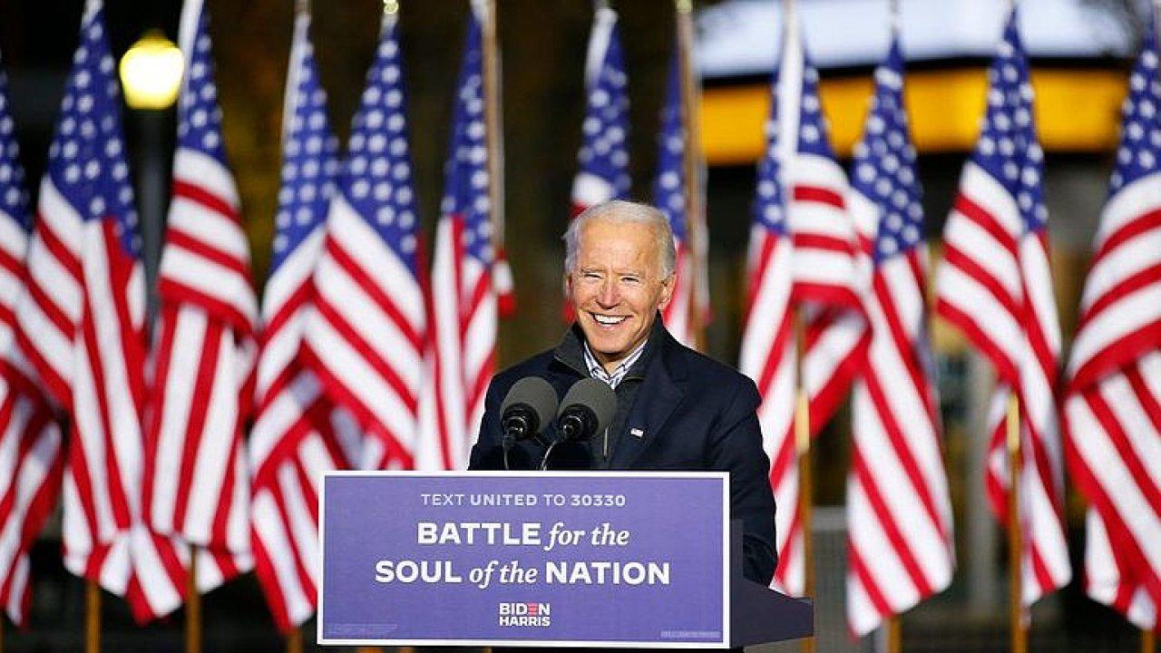 ŽIVĚ: Biden přebírá Bílý dům i rozhádanou Ameriku. Dokáže ji usmířit?