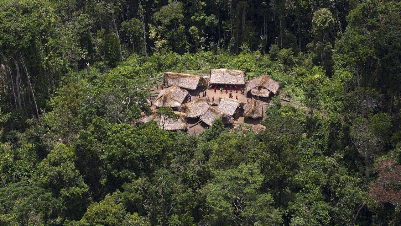 Na území indiánů kmene Yanomami na pomezí Venezuely a Brazílie se rovněž nelegálně těží zlato