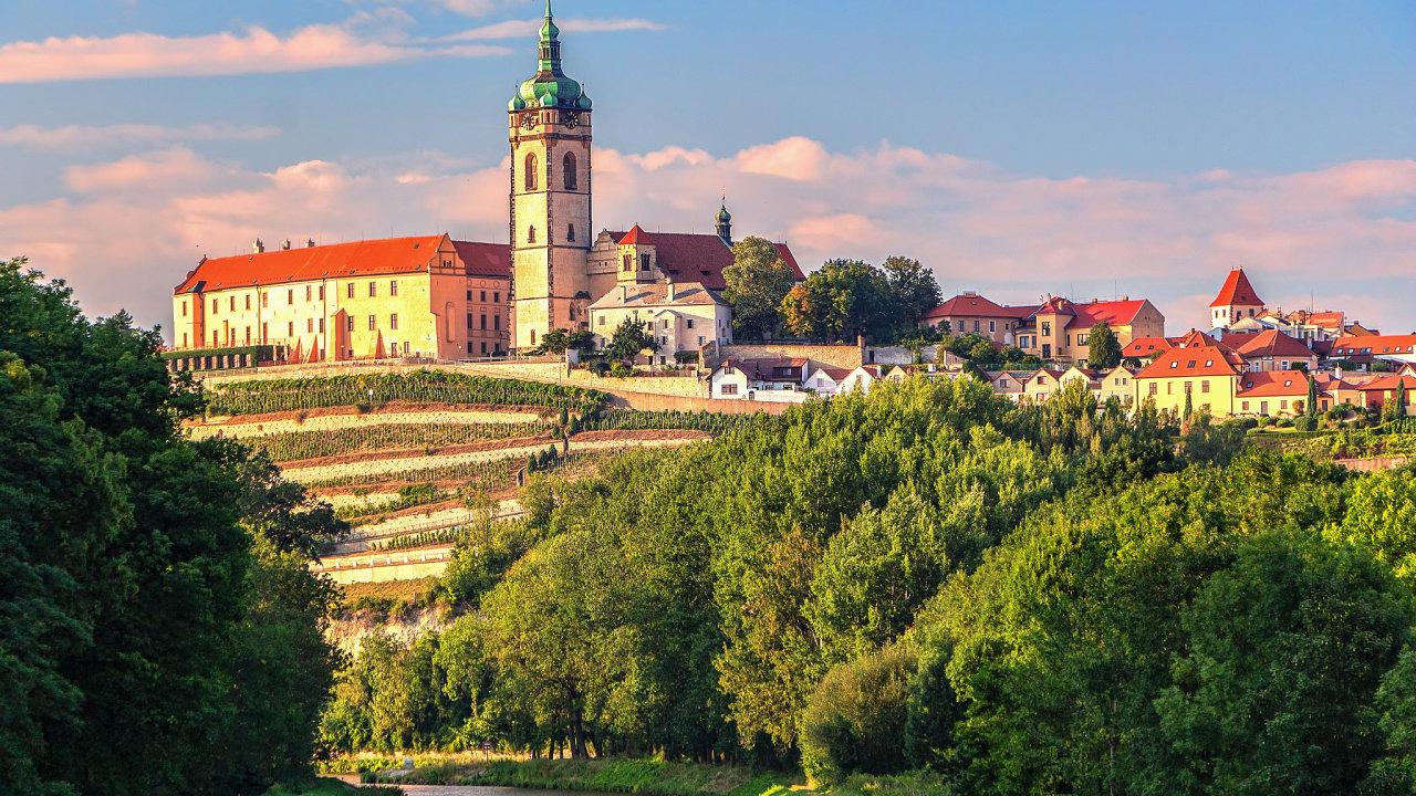 Nejen Karlův most v Praze nebo Český Krumlov, ale i třeba Mělník (na snímku), Boskovice nebo Kunětická hora na Pardubicku stojí za návštěvu, aspoň tak to chce letos propagovat agentura CzechTourism.