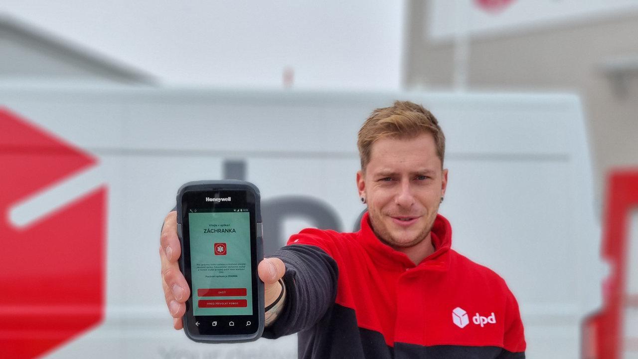 Kurýr DPD s aplikací Záchranka.