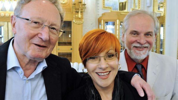 Juraj Filas (vpravo) bude v nové sezóně spolu s Dagmar Peckovou rezidenčním umělcem orchestru FOK, který vede  dirigent Jiří Kout (vlevo)