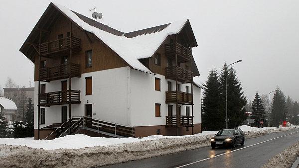 Dům v Harrachově, kde měl Petr Laušman byt.