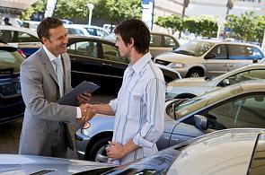 Česko a Pobaltí jsou v Evropě nejlevnější pro zájemce o koupi a provoz nového auta