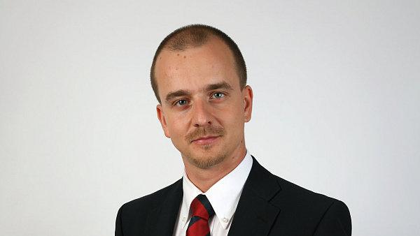 Marek Semer�d