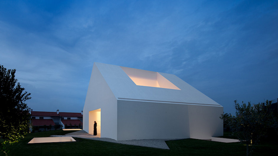 Bílá vila v portugalské Leirii připomíná plastovou hračku