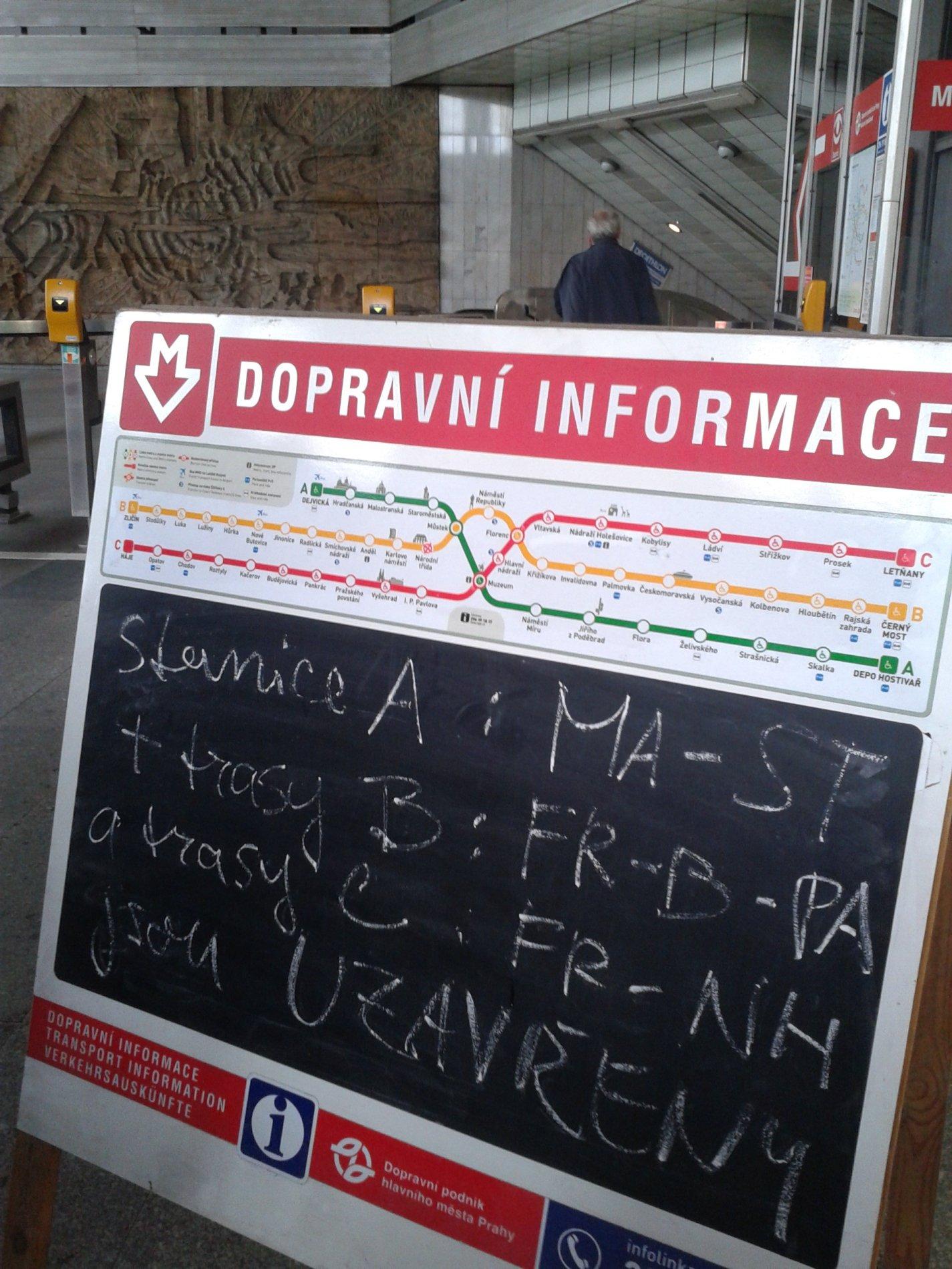 N�které stanice metra jsou mimo provoz