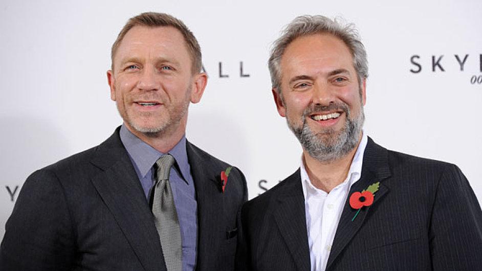 Známý obrázek. Craig a Mendes vyšlou Bonda do čtyřiadvcáté akce
