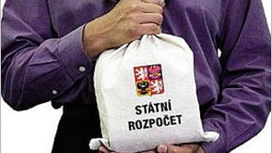 Deficit českých veřejných financí prudce klesl.