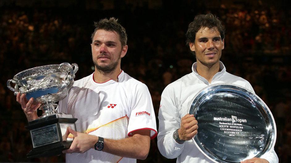 Vítěz Australian Open Stanislas Wawrinka (vlevo) a finalista Rafael Nadal