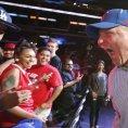 Steve Ballmer v �ter� p�edstoupil p�ed fanou�ky Los Angeles Clippers.