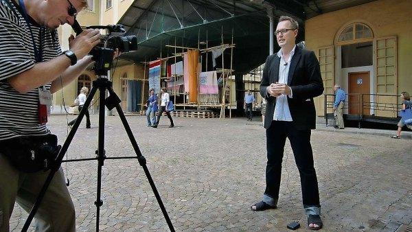 Kurátor Adam Budak se podílel na založení nového prostoru pro videoart ve Veletržním paláci.