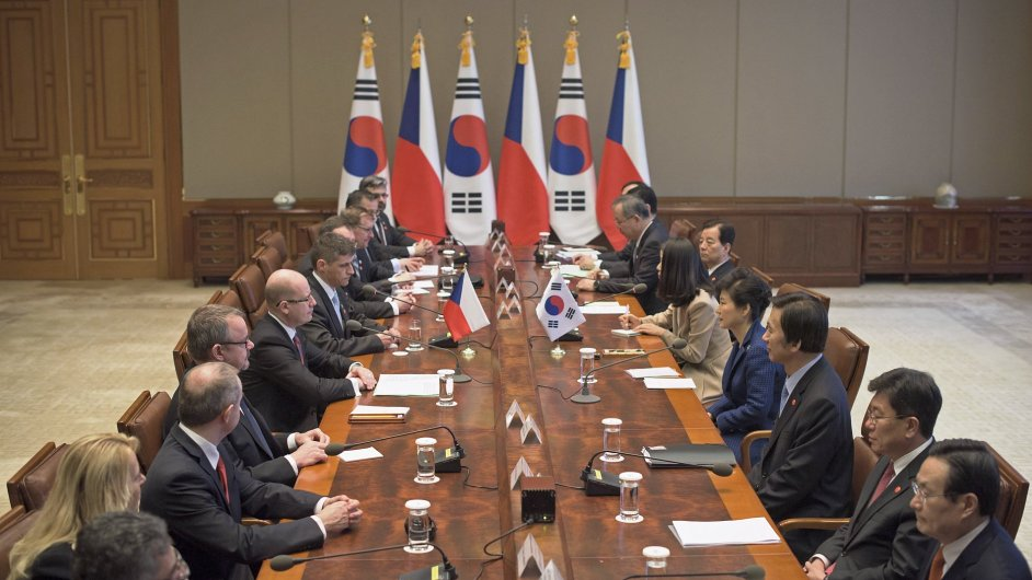 V Jižní Koreji jednali Bohuslav Sobotka a Dan Ťok především o hospodářské spolupráci