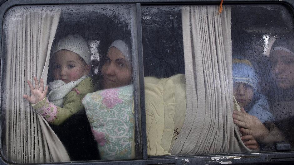 Syrská rodina na útěku