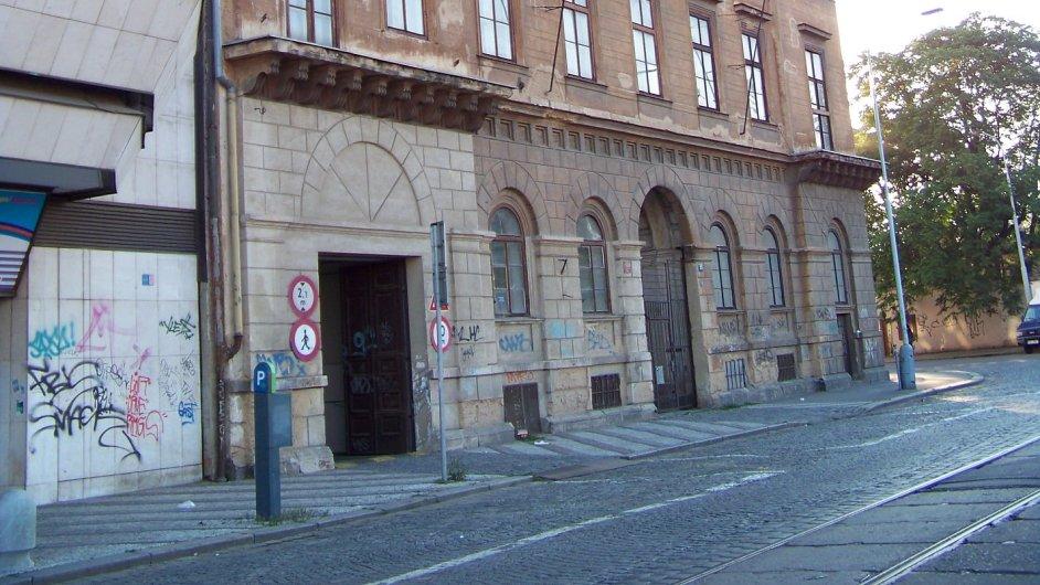 Festival 4 + 4 dny oživí Desfourský palác v pražské ulici Na Florenci (na snímku).