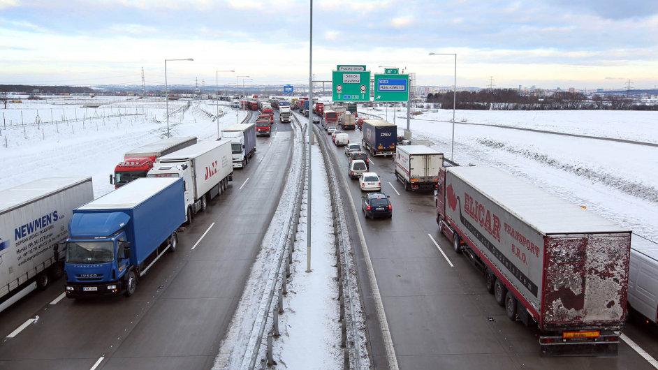 Dopravci ruší palivové příplatky.