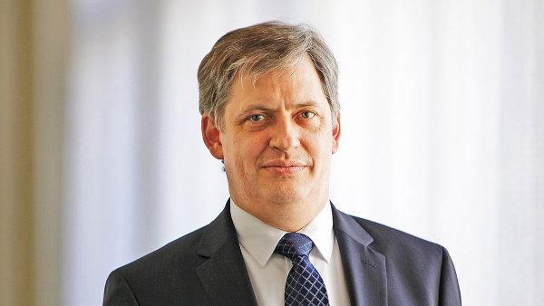 Jiří Dientsbier - ministr pro lidská práva, rovné příležitosti a legislativu