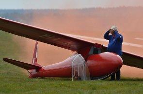 Víkendové tipy: Vyrazte ochutnávat chutě lesa na borůvkobraní nebo za leteckou akrobacií na Břeclavsko