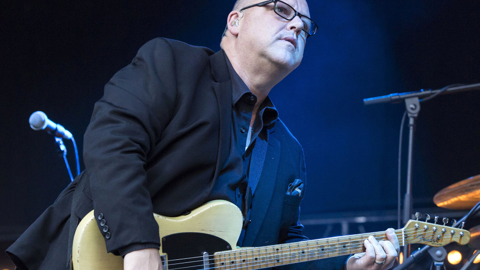 Frontman kapely Pixies Black Francis při berlínském koncertu letos v červenci.