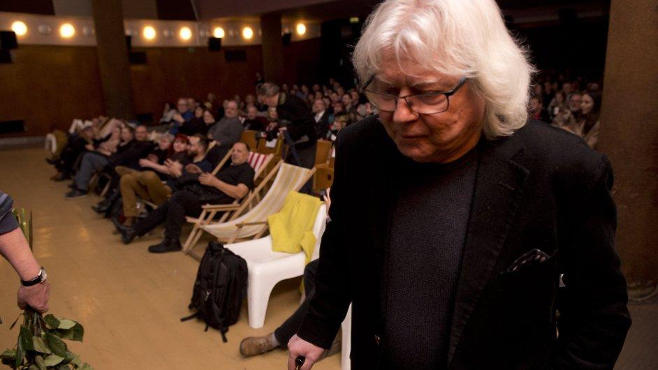 Hudebník Vladimír Mišík minulou středu 8. března přišel do pražského Bio Oko (na snímku) na premiéru dokumentu Jitky Němcové Nechte zpívat Mišíka.