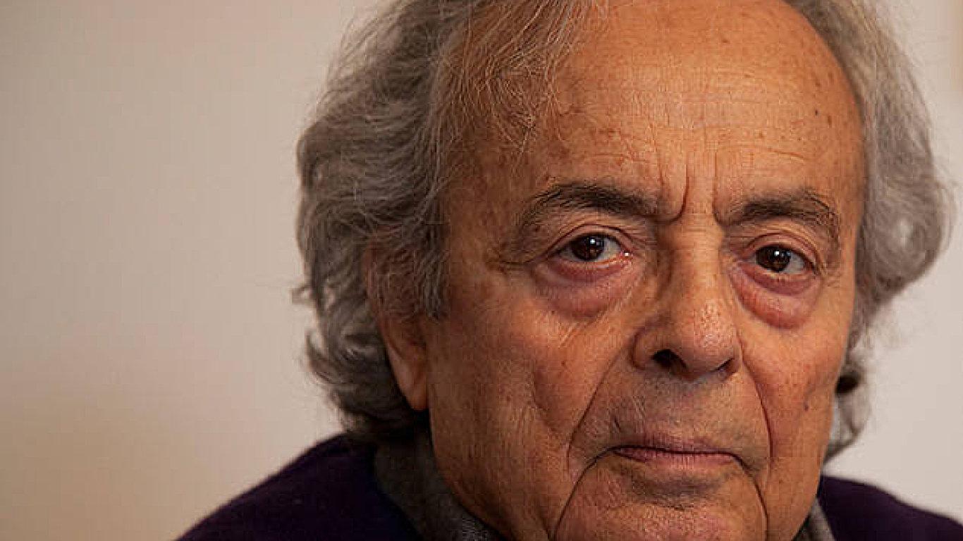 Syrský básník Adonis byl roku 2009 hostem Festivalu spisovatelů Praha.