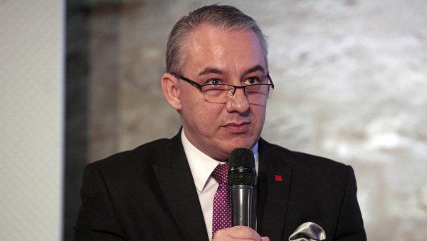 Podle šéfa odborů Josefa Středuly se jednání o nárůstu mezd týká několika tisíců podniků a přibližně 1,5 milionu zaměstnanců.